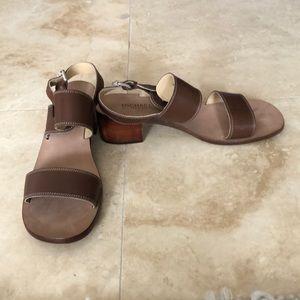 Michael Kors NWOT brown wooden heel sandals